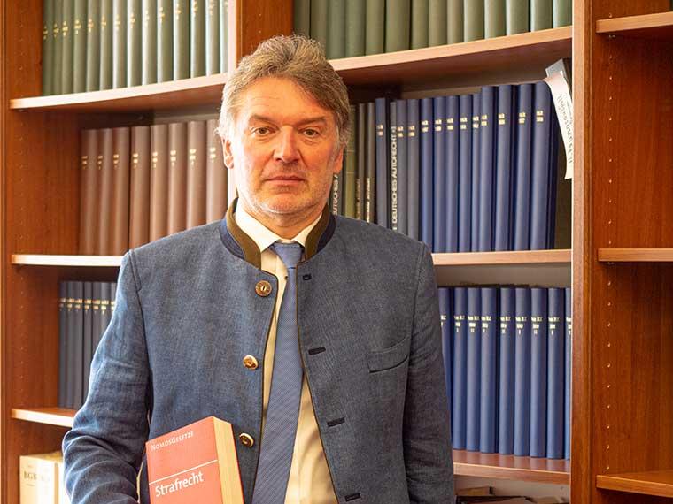 Rechtsanwalt Hans Lotter, Verkehrsrecht